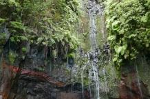 Madera. Wodospad 25 Fontes.